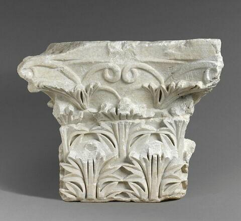 chapiteau de pilier