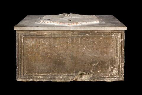 monument ; inscription