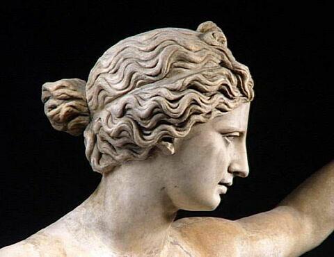 profil © 1991 RMN-Grand Palais (musée du Louvre) / Maurice et Pierre Chuzeville