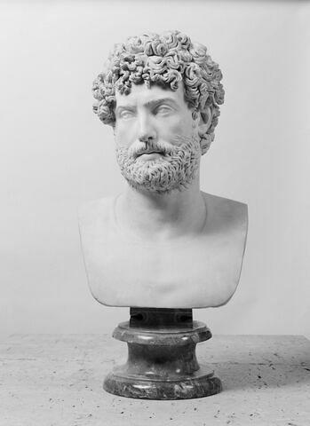 face, recto, avers, avant © 2007 Musée du Louvre / Patrick Lebaube