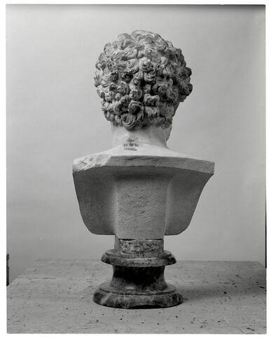 dos, verso, revers, arrière © 2007 Musée du Louvre / Patrick Lebaube
