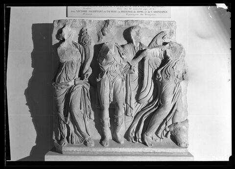 face, recto, avers, avant © Musée du Louvre / Maurice et Pierre Chuzeville