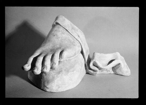 détail © 1984 Musée du Louvre / Maurice et Pierre Chuzeville