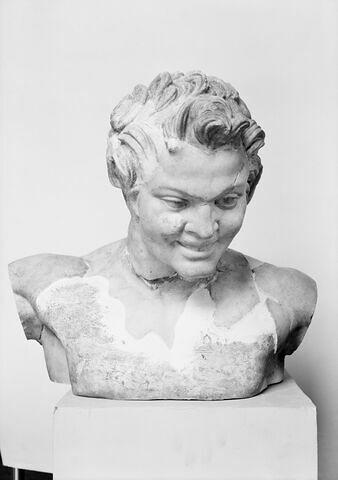 face, recto, avers, avant © 1974 Musée du Louvre / Maurice et Pierre Chuzeville