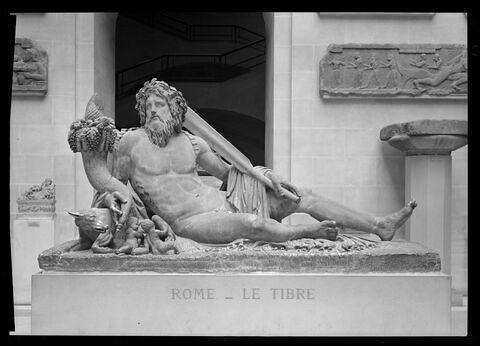 face, recto, avers, avant © 1971 Musée du Louvre / Maurice et Pierre Chuzeville