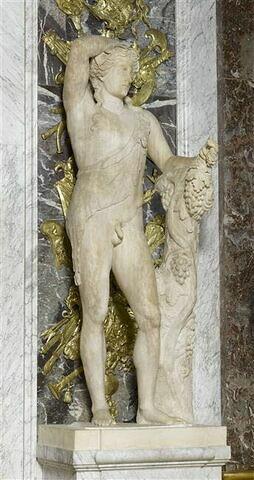 statue ; Bacchus de Versailles