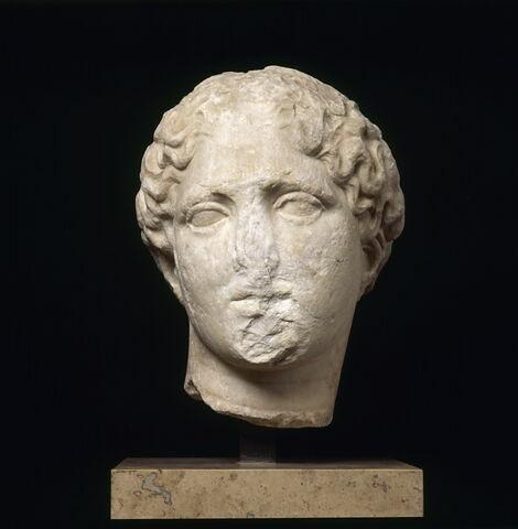 décor architectural ; statue  ; tête Laborde