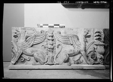 vue d'ensemble © 1986 Musée du Louvre / Antiquités grecques, étrusques et romaines