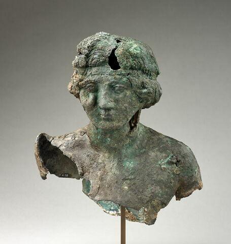 statuette ; fragment ; buste