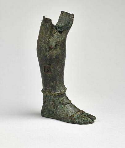 statuette ; fragment ; jambe