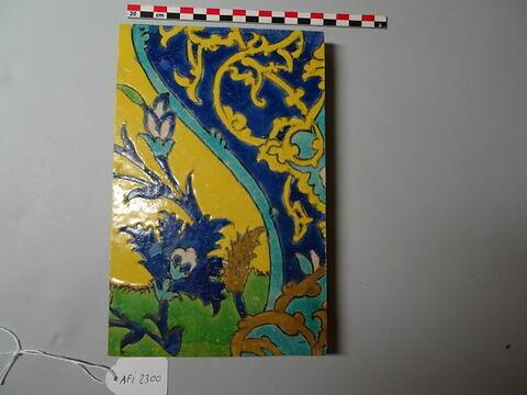 Carreau d'un panneau au vase flanqué de canards : la partie basse du vase