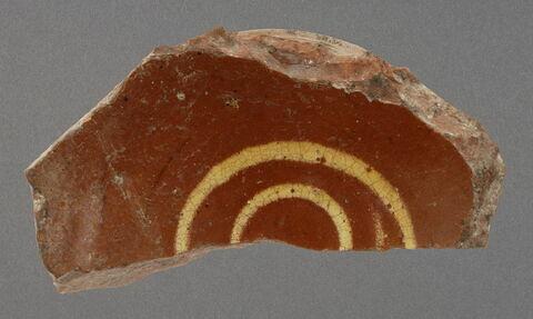 Fond de coupe (moitié de) à décor de spirale