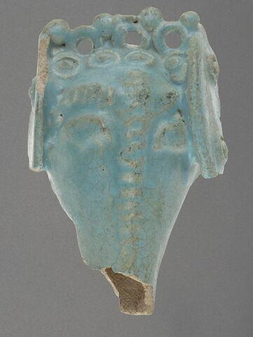 Fragment de ronde-bosse : tête d'éléphant harnaché