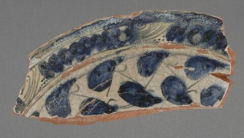 Fragment de plat à lèvre plate, type Milet