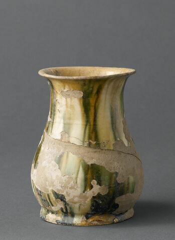 Vase à la cachette
