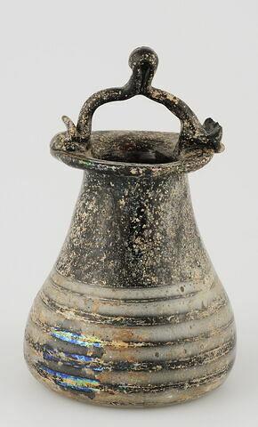 Vase en forme d'encrier ou pot à anse