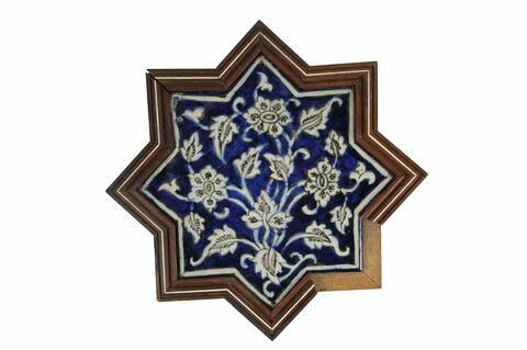 Etoile à motif floral