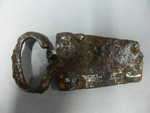 boucle de ceinture ; fragment