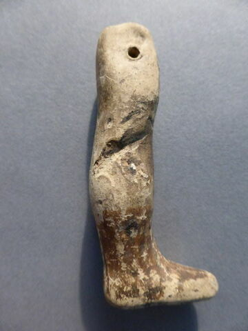 figurine ; jambe ; fragment