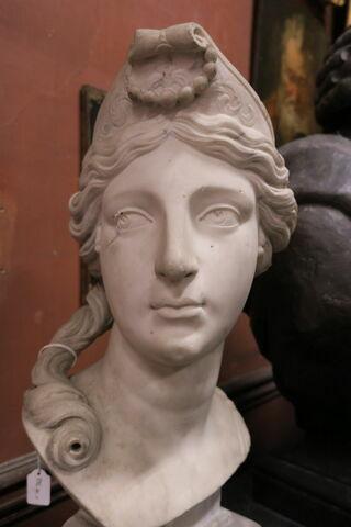 trois quarts gauche © 2018 Musée du Louvre / Antiquités grecques, étrusques et romaines