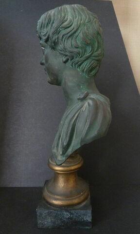 profil © 2019 Musée du Louvre / Antiquités grecques, étrusques et romaines