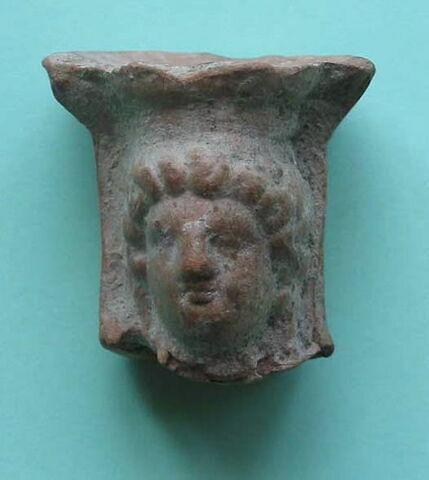 figurine  ; thymiatérion  ; fragment