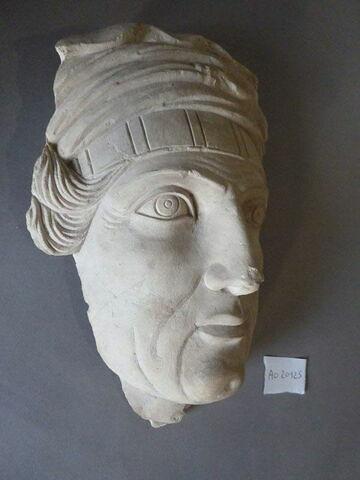 statue ; relief