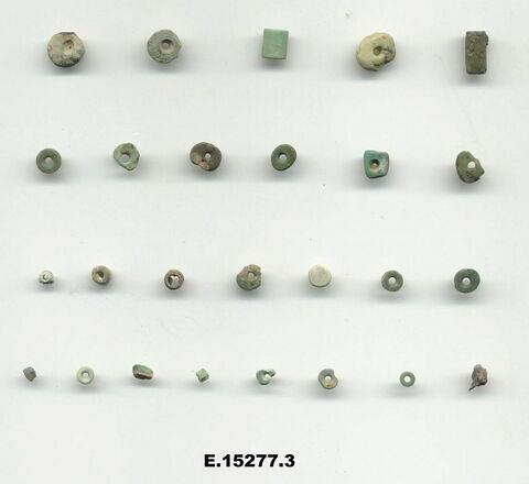 perles ; perle tubulaire ; perle en pastille carrée