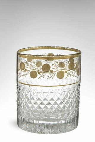 Gobelet cylindrique taillé et doré