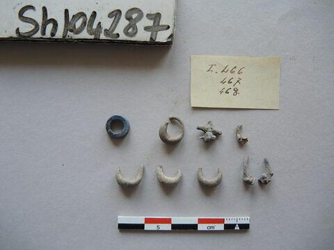 boucle d'oreille = pendant d'oreille ; 8 ; perle