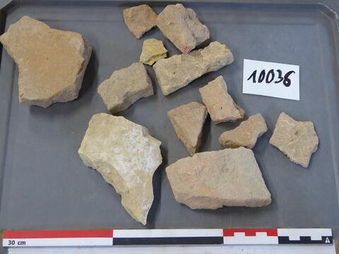 tuile, fragment ; brique, fragment