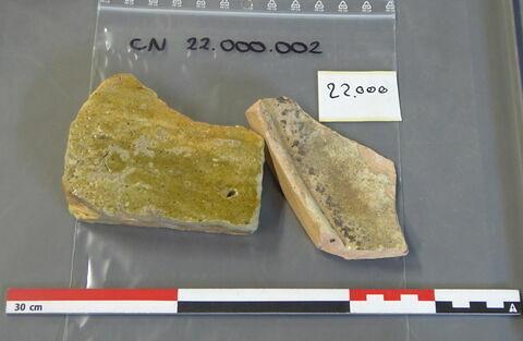 carreau, fragment ; canalisation