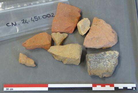 tuile, fragment ; brique, fragment ; carreau, fragment