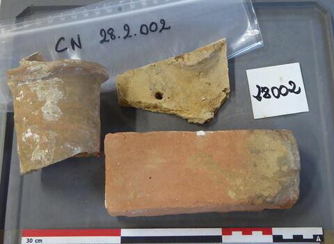 canalisation ; brique ; tuile, fragment