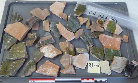 canalisation ; vase, récipient, fragment ; élément de construction, fragment