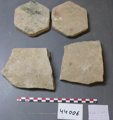 élément de construction, fragment ; tomette