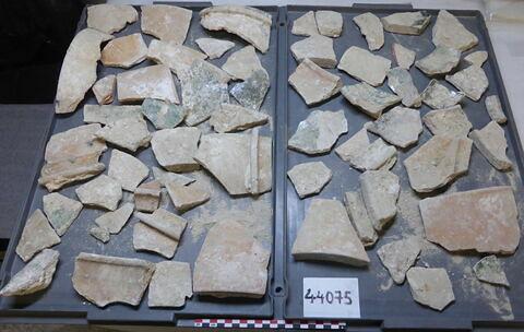 élément de construction, fragment ; tomette, fragment