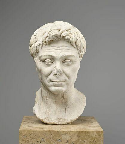 statue  ; Portrait de Pompée