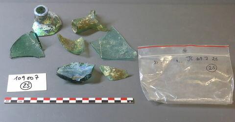 goulot ; verre creux, fragment