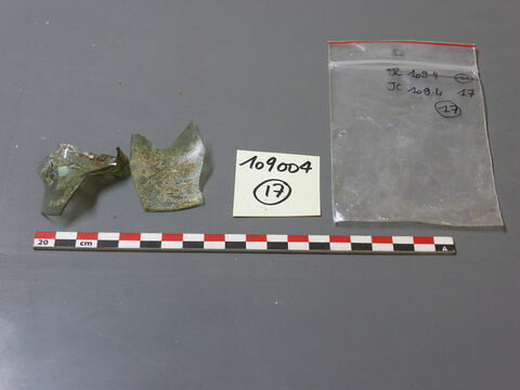 verre creux, fragment