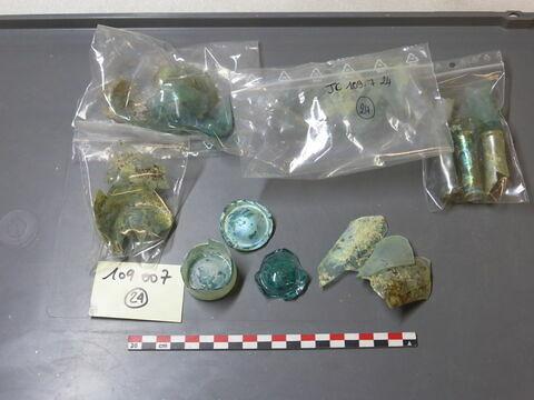 goulot ; bord ; verre creux, fragment