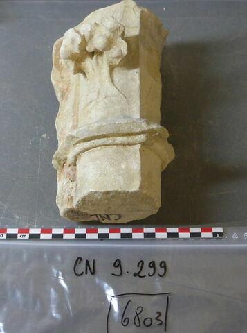colonnette, fragment