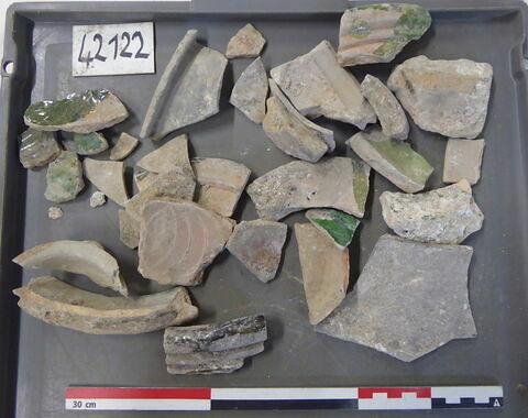 vase, récipient, fragment ; canalisation