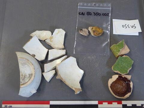 vase, récipient, fragment ; élément de construction, fragment