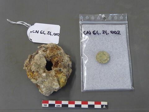 anneau ; monnaie, médaille, plaquette, jeton
