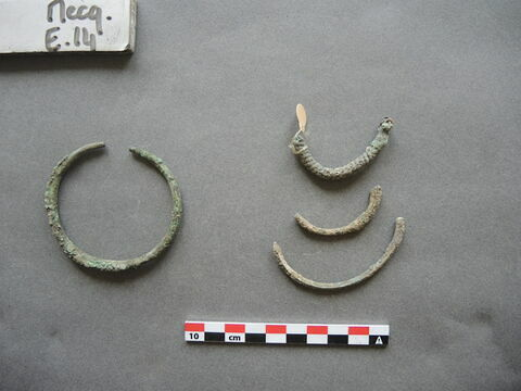 bracelet ; 4
