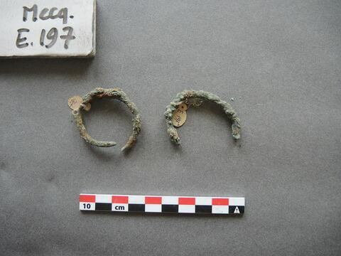 bracelet ; 2