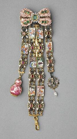 Châtelaine formée d'un noeud et d'un bracelet