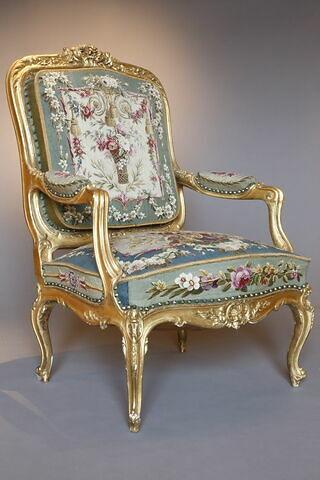 Fauteuil du salon d'audience du duc de Nemours aux Tuileries, d'une paire (F 574 C1)
