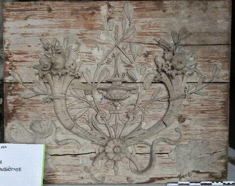 bas-relief ; panneau